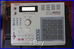 Akai MPC 2000 with 32 MB/8 Outs/FX card/SCSI Zip Drive/Hard Case AND Akai MFC 42